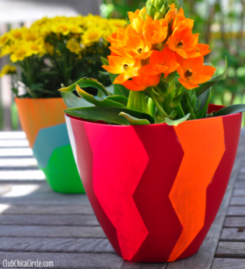 http://club.chicacircle.com/design-your-own-spring-planters-with-frogtape-chevron-shape-tape/