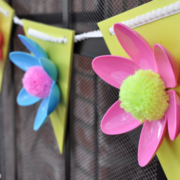 Spring Flower Plastic Spoon Garland