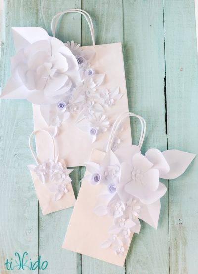 Tikkido-embellished-white-gift-bags-1-of-3