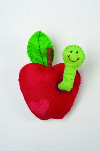 felt.apple_.worm
