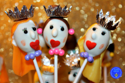 queen-and-princess-cake-pops-hooplapalooza