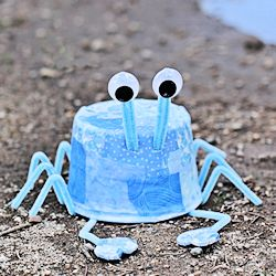 Plastic Tub Blue Crab
