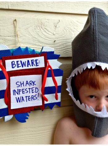Shark-Bitten Flip-Flop Wreath