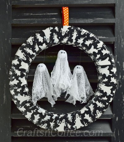 Glow-in-the-Dark Ghost Wreath