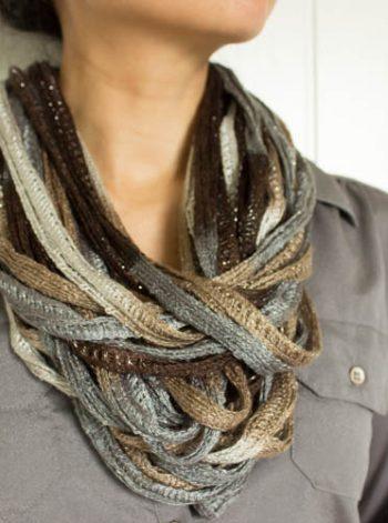 Yarn Necklace