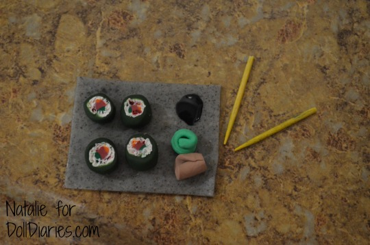 Clay Doll-Sized Sushi