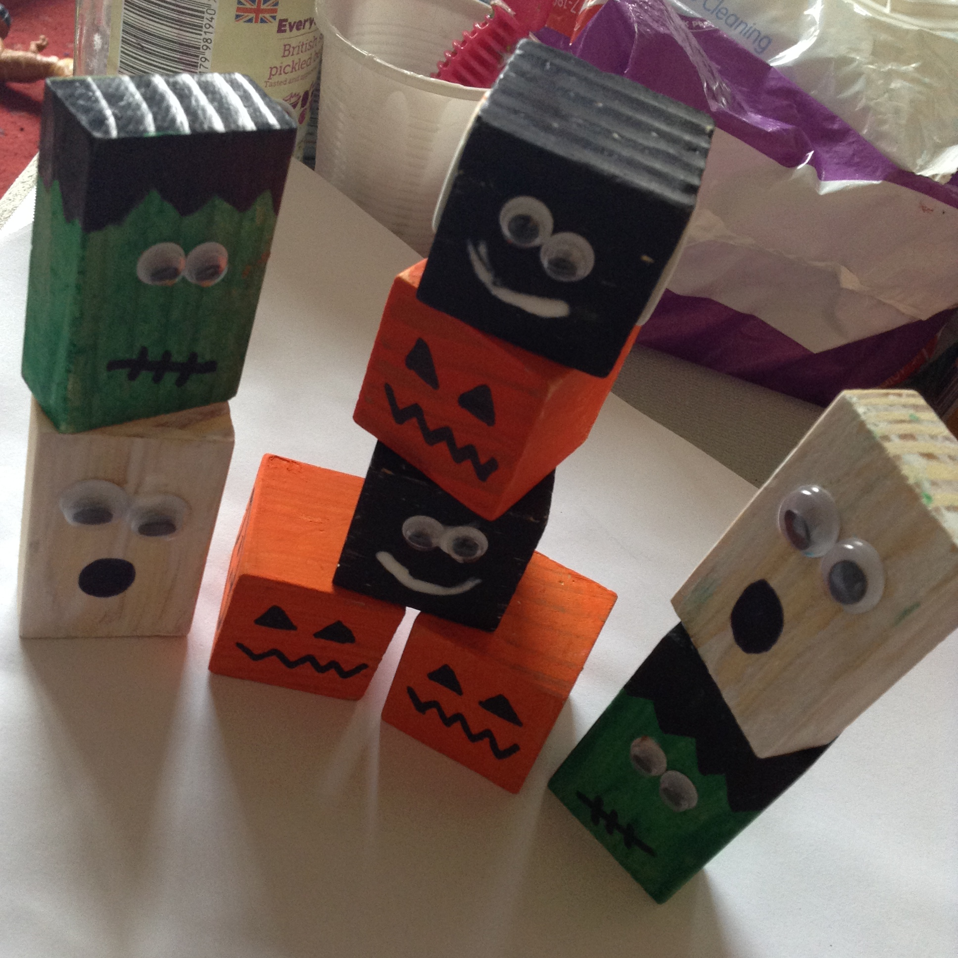 Halloween wooden blocks fun family crafts for Plain wooden blocks for crafts