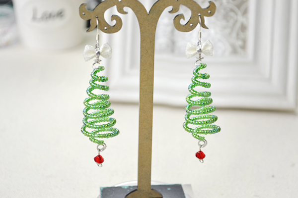 Wire Christmas Tree Earrings