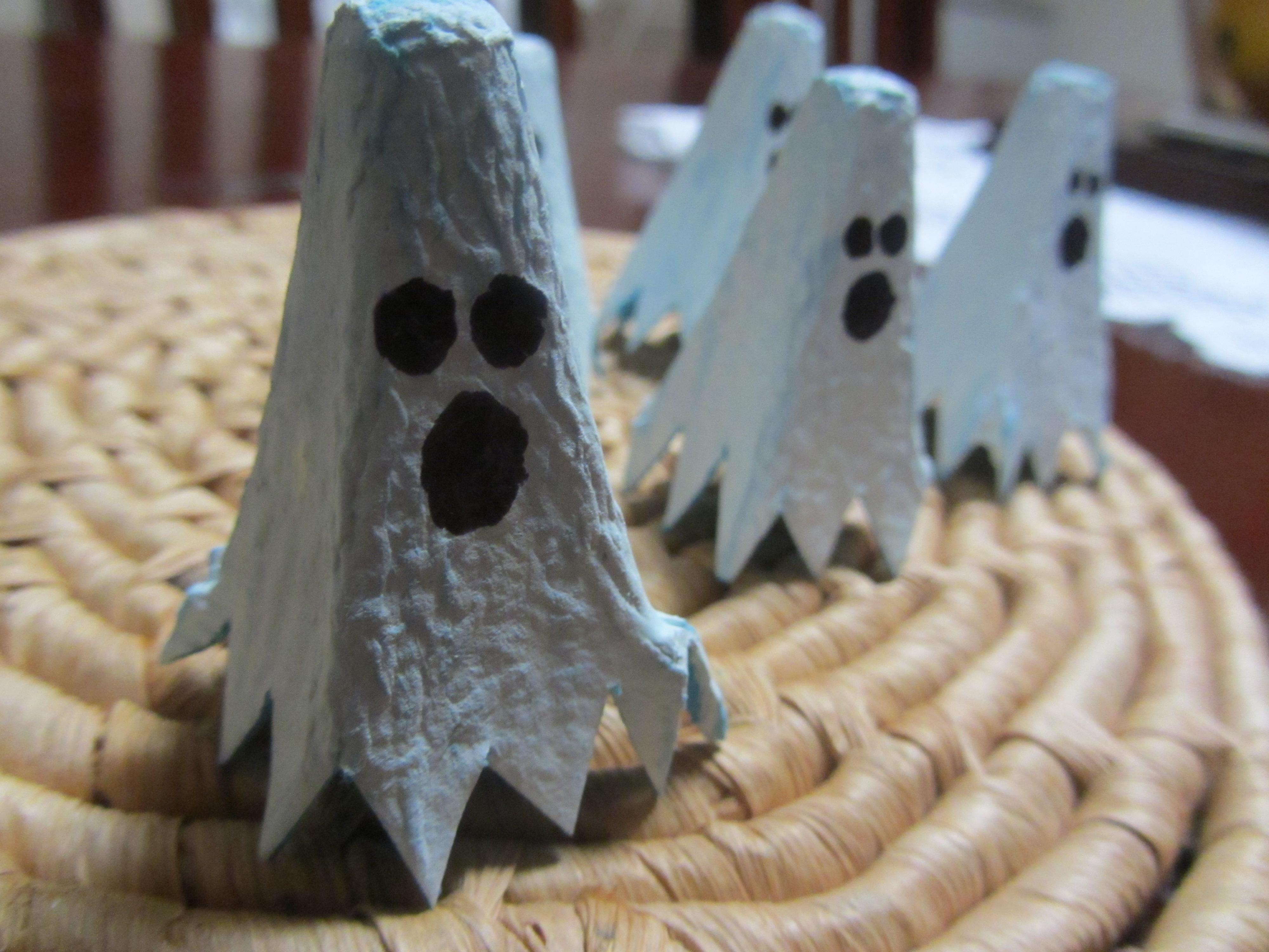 Egg Carton Ghost Finger Puppet