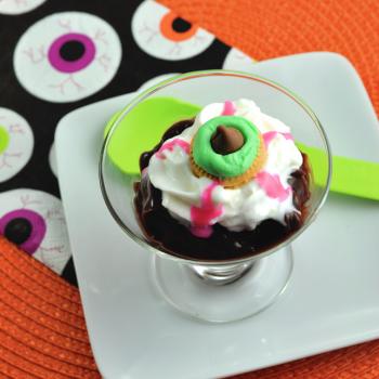 Eyeball Pudding Cups