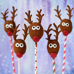 Cocoa No-Bake Oatmeal Raisin Reindeer Pops