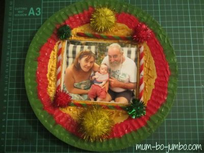 Personalized Paper Plate Christmas Wreath & Personalized Paper Plate Christmas Wreath | Fun Family Crafts