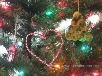 Wire and Yarn Ornament