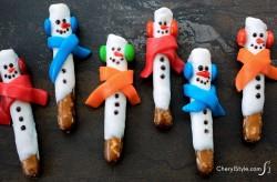 Pretzel Rod Snowmen