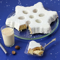 Eggnog Snowflake Cake