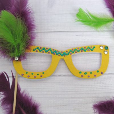 Easy Mardi Gras Mask