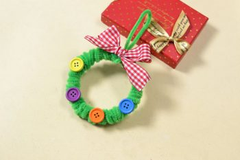 Easy Pipe Cleaner Wreath