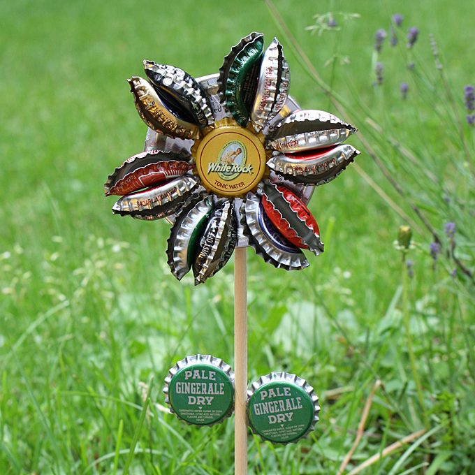 Bottle cap flower fun family crafts for How to make bottle cap flowers