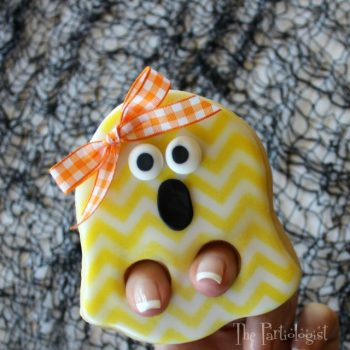 Finger Puppet Ghost Cookie