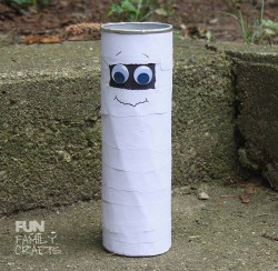 This Pringle can mummy is a fun recycled Halloween craft for younger children.