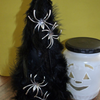 Black Feather Halloween Tree