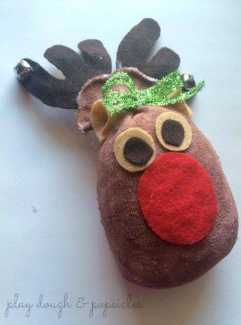 No-Sew Sock Reindeer
