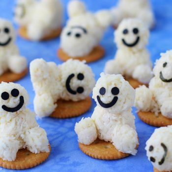 Frozen-Inspired Snowgie Snacks