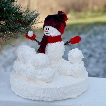 Snowball Fight Snowman Sculpture