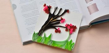 In this Pandahall tutorial, you can see a handmade quilling paper tree greeting card. Follow me to see how to make this quilling paper tree greeting card.