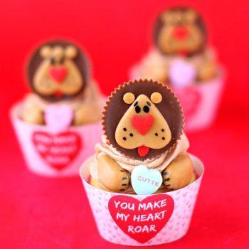 """You Make My Heart Roar"" Lion Cupcakes"
