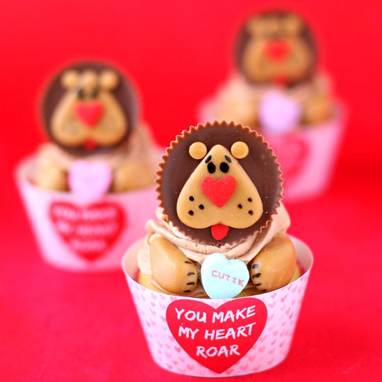 """You Make My Heart Roar"" Lion Cupcakes"