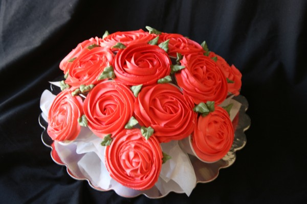 Display cupcakes to look like a bouquet of roses!