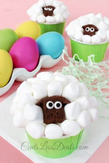 These tasty sheep cupcakes couldn't be cuter! They're a great project for spring.