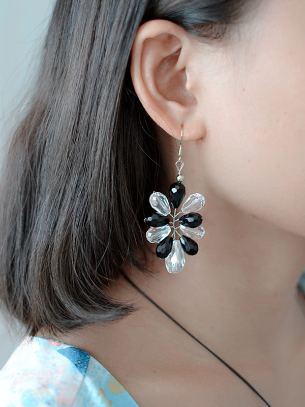 How to Make a Pair of Handmade White and Black Glass Bead Earrings