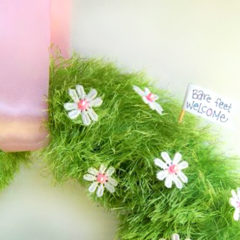 Easy Spring Faux Grass Wreath