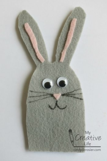 Make a no-sew rabbit finger puppet using felt.