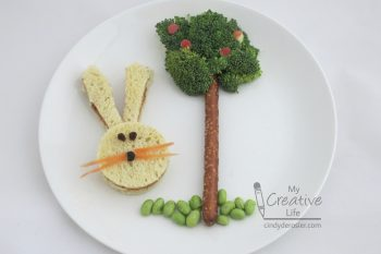 Make lunchtime more special with this cute and healthy bunny-themed lunch.