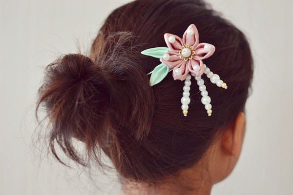 How to Make a Pink Ribbon Flower Hairpin with Pearl Beads Decorated