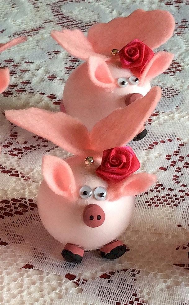 flying-pigs-easter-eggs