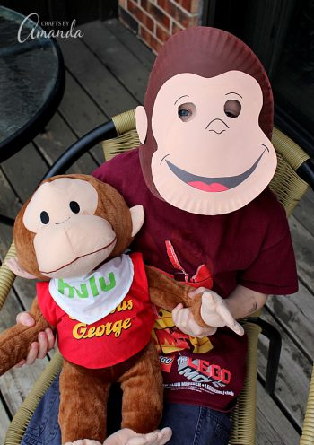 This Curious George mask is super easy to make out of a paper plate and so much fun for the kids!