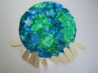 Use a coffee filter to make a beautiful handprint craft for Earth Day.