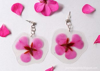 Laminated real flower earrings