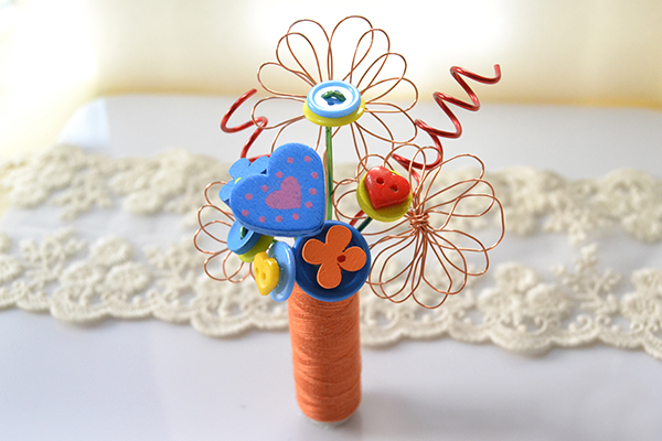 DIY Project for Kids – Making Lovely Buttons and Wire Wrapped Bouquet at Home