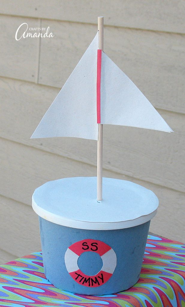Set sail on your next fun kid's craft! This Margarine Tub Boat is great for a child's room!