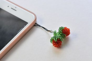 Detailed Pandahall Tutorial on How to Make Red Seed Bead Strawberry Phone Hanging Ornaments