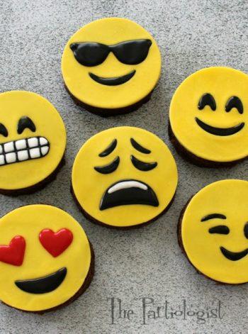 Mini Emoji Cakes