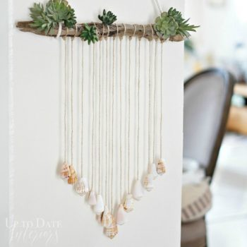 Beautiful and easy-to-make seashell door hanging - perfect for summer!
