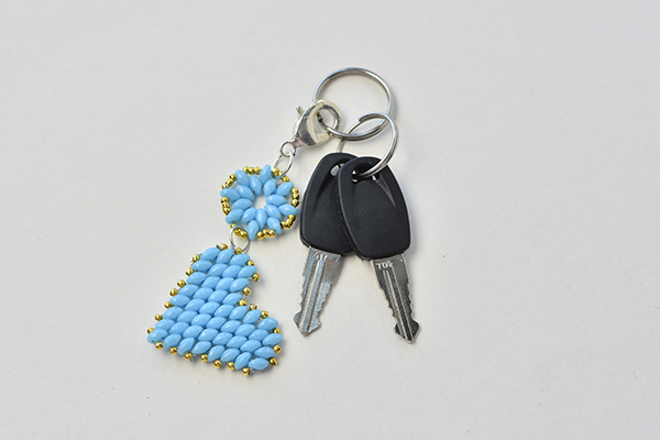 How to Make Blue Beading Heart Keychain with 2-Hole Seed Beads