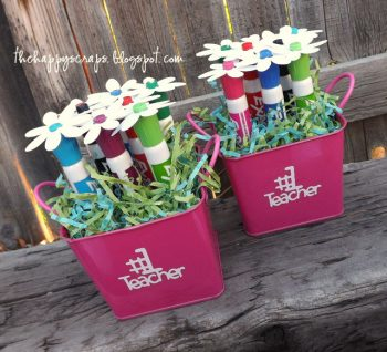 Any teacher would love receiving this 'flower' bouquet!