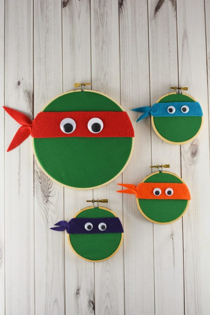 Turn embroidery hoops into your favorite Turtles!